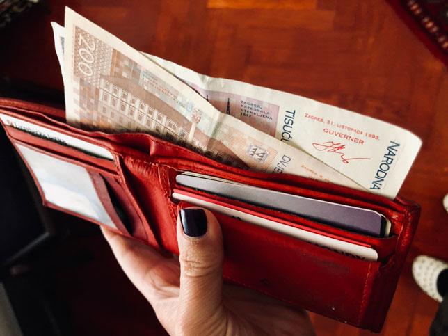 Tjedni pregled: Marakeški sporazum i dalje predmet prijepora, za inspekciju nema ništa sporno u obavljanju kiretaža, a poslodavci više nemaju izgovora da radnicima ne isplaćuju božićnice i nagrade