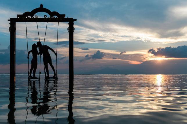 Iza ogledala (11): Kad se ljudsko potroši…