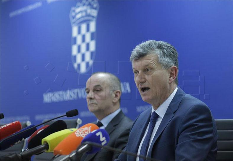 Tjedni pregled: Afere ne staju, smijenjen još jedan ministar
