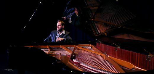 Tomislav Milić, profesor klavira koji na YouTubeu podučava klavir i solfeggio posve besplatno